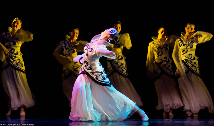 Photo by Mike Strong (KCDance.com) - Hanah Wagner in Fusion by Prof Wang Hong-yun and Li Ye