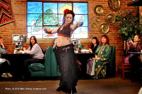 Kaleela (Troupe Duende) at Belly Dance Coalition meeting in Parkville, MO at Cafe Cedar put on by Nicole English (Nikoria) - photo (c) Mike Strong www.kcdance.com