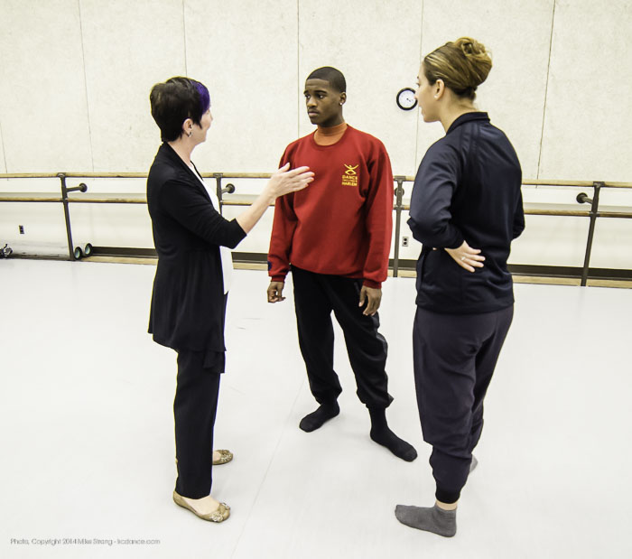 Rehearsals - Mary Pat Henry (Wylliams-Henry dance) talks in studio with Kevin Tate and Alessandra Perdichizzi in Heart Thieves by Robert Moses for Wylliams-Henry Contemporary Dance Co.