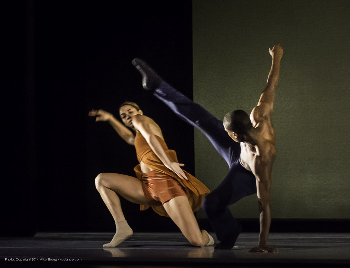Alessandra Perdichizzi and Kevin Tate in Heart Thieves by Robert Moses for Wylliams-Henry Contemporary Dance Co.