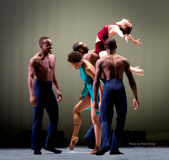 "Rehearsal time on stage prior to a run with (front, standing around) Maleek Washington, Laurel Richardson, Kevine Tate and (back) John Swapshire lifting Caroline Fogg in ""Heart Thieves"" by Robert Moses for Wylliams-Henry Contemporary Dance Co."