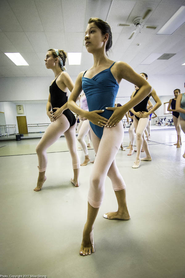 Rebekah Nelson (L) and Elise Johnson (front) in Dream Space